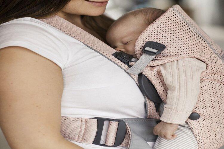 comment utiliser un porte-bébé